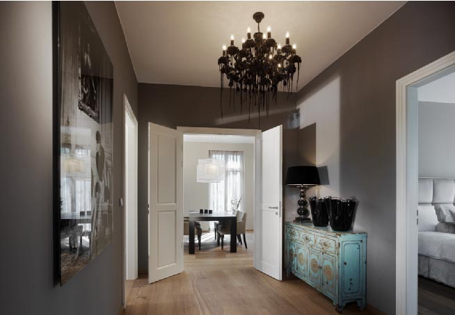 Apartment entrance ideas: small open plan home interiors. white ...